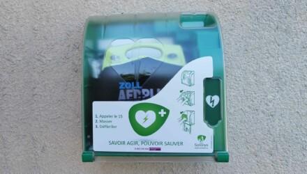 Comment utiliser le défibrillateur